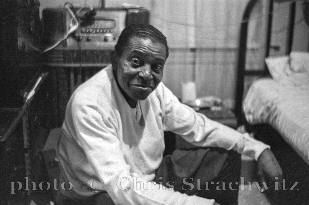 Joe Pullum - 1961 photo by Chris Strachwitz © Arhoolie