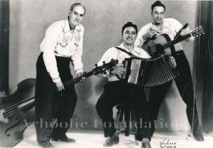 Santiago Jiménez and sus Valedsores Ismael Gonzales, Santiago Jimenez, Lorenzo Caballero-1947